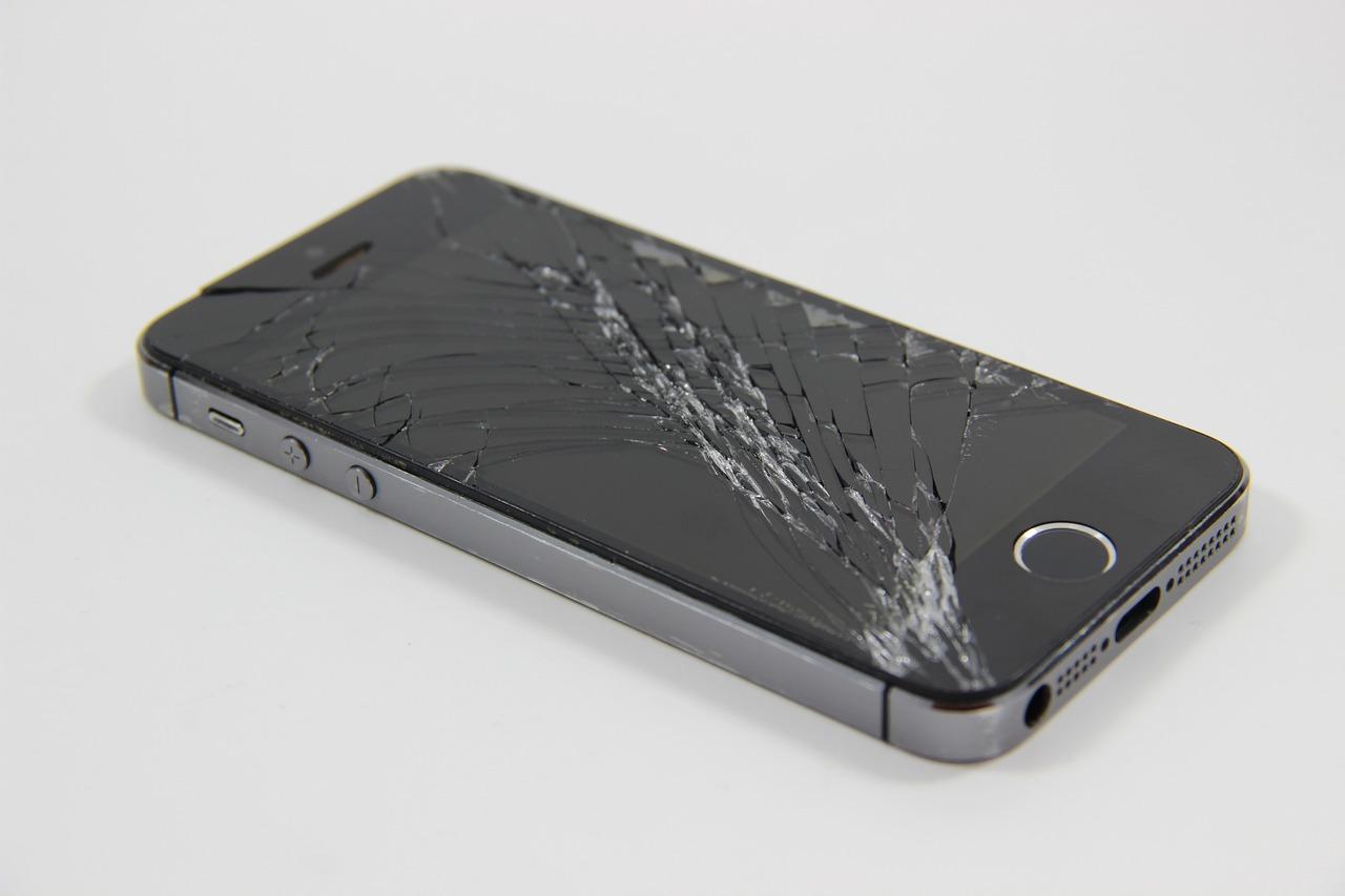 iPhone Screen Repair & Replacement Dubai, UAE